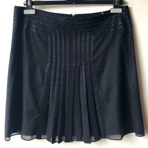 Elie Tahari Casual Chic Skirt - Like New